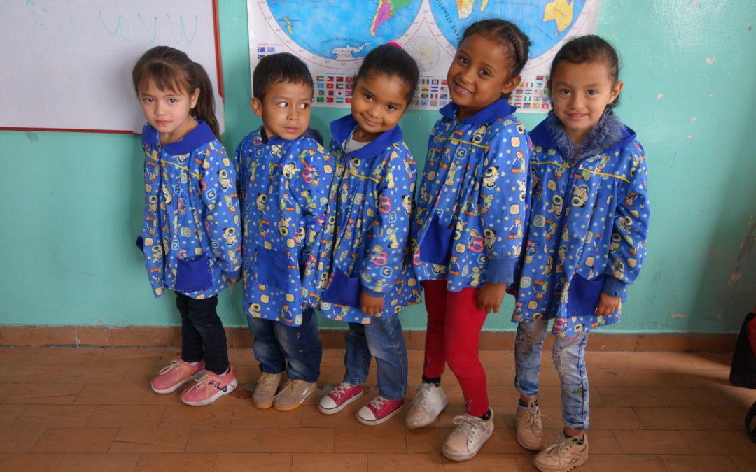 Achat d'uniformes et de matériel pour des enfants de centres de l'OICN